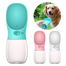 Fontana dell'animale dell'erogatore dell'acqua online-Dog Water Bottle Dispenser per acqua per cuccioli portatile a prova di perdite con alimentazione per animali domestici