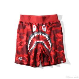 Baños cortos online-Shorts de tiburón mono Mono Shark Jaw Shorts de camuflaje de hombre de Japón Pantalones de mono de la marca Apos Pantalones blancos para hombre Pantalones cortos para hombre blancos Vetements