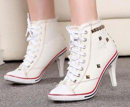 High heel canvas sneaker online-2019 Stiefel Damen Denim-Absatz-Pumpen-Nieten Leinwand Sneakers Boots Ankle starke Ferse und dünne Fersen Schuhe zapatos de mujer