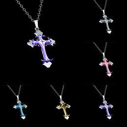 Canada Nouvelle marque Christian plaqué Drops Croix pendentif collier section courte WFN020 (avec chaîne) mélanger ordre 20 pièces beaucoup K6096 Offre
