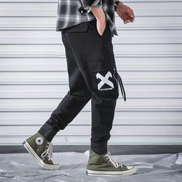 2019 schwarze overalls xs Männer Vintage Cargo Pants Herren Hiphop schwarze Taschen Jogger Hosen Männliche Korean Fashion Sweatpants 2019 Frühling Herbst Overalls günstig schwarze overalls xs