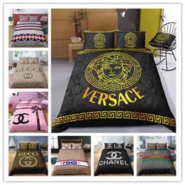 Conjuntos de roupa de cama para menina adulta on-line-2019 novos produtos conjuntos de cama macia para Meninas / Boys / Folha de cama Adulto edredon cobrir Sonho