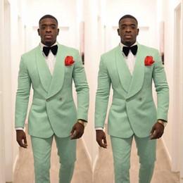 2019 giacca a doppio petto uomini verdi Nuovo 2020 smoking da uomo verde menta per scialle da sposa bavero doppio petto due pezzi (giacca-pantaloni) abiti da cerimonia formale giacca a doppio petto uomini verdi economici