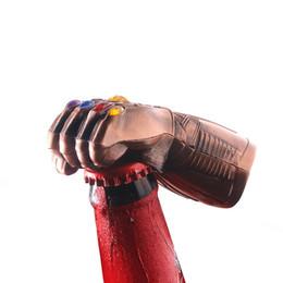 Llavero armas online-4 Color Avengers 4 Endgame Infinity Gauntlet Abrebotellas 2019 Marvel Thanos Guantes Arma Abrebotellas Llavero de Juguete Venta al por mayor A6602