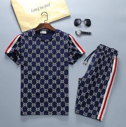 tuta da uomo Sconti 2019 Lastest Summer Mens Designer T Shirts Casual Lettera Stampa Mens Designer Tute Pantaloncini da basket di alta qualità Taglia M-3X