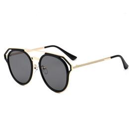 Óculos emoldurados em arco-íris on-line-2018 Mulheres Homens Rodada Espetáculos de Óculos de Sol Masculino Feminino Armação de Metal HD Lens Óculos de Sol Rainbow Color Shade De Sol