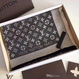 All'ingrosso-alta Qualtiy Size 140 * 140CM sciarpe di seta Euro marca designer floreale francese stampato regalo donne sciarpe di seta spedizione gratuita da