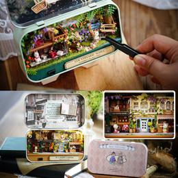 große plastikpuppen Rabatt Mini Zimmer Puppenhaus Möbel Box Theater DIY Modell Miniaturen Holz Puppenhaus Spielzeug für Kinder AIJILE