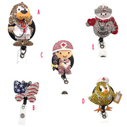 abzeichenhalter krankenschwester Rabatt 10pcs / lot des neuen Entwurfs Sparkly Strass Krankenschwester Arzt Symbol Retractable anamel Form Badge Rollenhalter-Klipp-Namensschild Reel