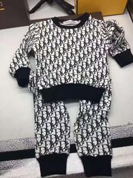 bebé varones traje pc Rebajas El nuevo diseñador de la marca de ropa del bebé del otoño fijaron para niños muchacha del muchacho de la manga larga con capucha Top Pantalones + 2 juegos de las PC de moda chándal Trajes