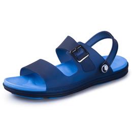 Billige blaue sandalen online-2019 neue Männer Sandalen Sommer Outdoor Mann Strand Freizeitschuhe Billig Rutsche Blau Braun Mann Sandalen Wasser Schuhe Gehen