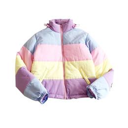 Зимнее пальто женщин съемное онлайн-Rainbow Colorful Cotton Padded Parkas Casual Women Autumn Winter Detachable Hat Coat Macaron Pastel Panel Puffer Jacket Coats