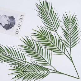 Vasos de plástico on-line-3 cabeças Grandes Folhas De Palmeira Verde plantas artificiais para vaso de Plástico Planta Artificial Folha Home Office Decoração diy Pendurado Folhas Artificiais