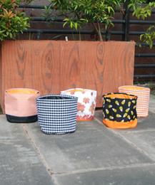 2019 suprimentos de festa de luz negra 2019 marca de moda por atacado espaços em branco bolinhas baldes de halloween laranja preto poliéster sacola de halloween sacolas de doces de halloween DOM1033