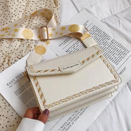bolsos de cuero bordados Rebajas Elegante Femenina Bordada Flap Square Bag 2019 Nueva Calidad de Cuero de LA PU Diseñador de Las Mujeres Bolso de Viaje Bolsa de Mensajero Del Hombro