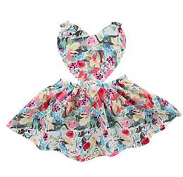 Canada Mode enfants vêtements de marque fille élégante robe sans manches amour coeur conception pleine fleur princesse robe charmante fille robe B11 Offre