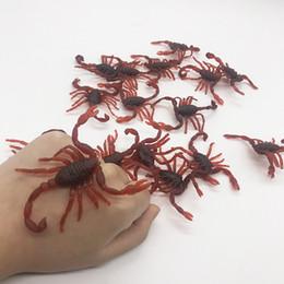 scarafaggi di plastica Sconti Mini Simulazione Scorpione Bambini Giocattoli Divertenti Casa infestata falso Scary Prop Cervello Tricky giocattoli Per Divertimento Party Giochi in resina