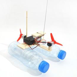10 takım Monte Rüzgar Türbini Modeli Tekne Ahşap Uzaktan Kumanda Tekne DIY Bilim Eğitici Oyuncaklar çocuk Oyuncak Hediye Yaratıcı Model AIJILE cheap toy wooden boat nereden oyuncak ahşap tekne tedarikçiler
