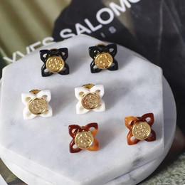 Логос онлайн-Роскошное качество фирменное наименование топ латунь Стад серьги логотип с частью смолы и металла для женщин свадебный подарок ювелирные изделия PS6821A