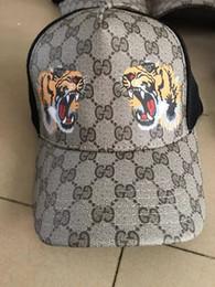 2019 mejores snapbacks al por mayor 2019 sombreros de béisbol del diseñador para los hombres y las mujeres la oportunidad de tapar el padre al oeste creen color del sombrero gorra de béisbol sombrero hombre que sostiene la bola
