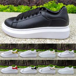 2019 top meias peles Alexander McQueen Preto Branco Plataforma Clássico Sapatos de Grife de Esportes Casuais Sapatos de Skate Dos Homens Das Sapatilhas Das Mulheres Veludo Esporte Formadores