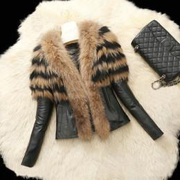 Giacca corta in ecopelle nera da donna con collo in pelliccia sintetica  Slim Fit manica lunga Giacca da moto invernale Cappotto in parka caldo  Capispalla ... adc62f73b619