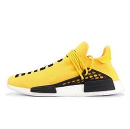 Muestras de mujer online-Con la caja NMD Human Race Zapatillas para correr para hombre Pharrell Williams de muestra Amarillo Núcleo Negro Diseñador de calzado deportivo Hombre Mujer Zapatillas 36-45