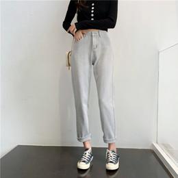 2020 pantalones vaqueros de color caqui de las mujeres Jeans de otoño de primavera de color caqui de algodón mujeres de la alta cintura Harem Mom Jeans nuevas mujeres grises denim pantalones rectos pantalones vaqueros de color caqui de las mujeres baratos