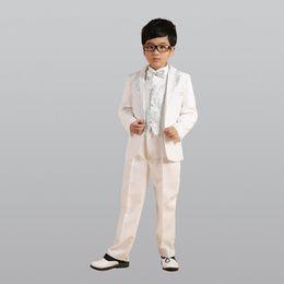 48f5e6e78 Famosa marca White Silver Gold (Chaquetas + Pantalones + Pajarita + Camisa  + Abrigo) Trajes de niño Marca Novio Vestido de novia Chaqueta de traje