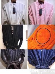 Sonbahar kış Kalın saf pamuklu düz renk bornoz nakış elbiseler Unisex uzun kollu emici havlu bornoz kukuletalı pijamas nereden