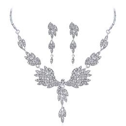collane di nozze grandi del rhinestone Sconti Tendenza Strass Wedding Bridal Jewelry Set Femme Angel Wings Pendenti Collana lunga grande orecchini a goccia per i monili delle donne