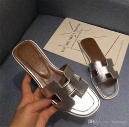 Chanclas Hombre Sandalias Zapatos Para Caminar Casual Diapositivas de la playa EVA Zapatillas de masaje Diseñador Pisos Hombre Verano Hombres Zapatos desde fabricantes