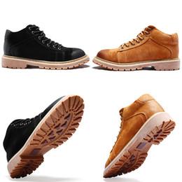 Scarpette grigio mens online-Di lusso di inverno caldo stivali Stivali da cowboy in pelle nera reale Grigio Tempo libero Sneakers Fashion Designers Mens 40-45