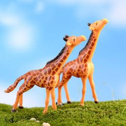 casas de miniaturas de jardim de fadas Desconto Casa Micro Paisagem Decorações DIY Casa de Boneca Veados Girafa Artesanato Jardim de Fadas Miniaturas Terrários Suculentas