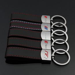 caso chiave toyota camry Sconti 2 Pezzi 3D logo in metallo in pelle auto catena chiave di Keychain portachiavi Holder Auto Portachiavi auto per BMW M3 Audi Sline RS Volkswagen R Mercedes AMG