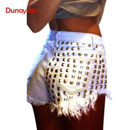 Свободные джинсы punk онлайн-Women's Fashion Hot Sale New Vintage Tassel Rivet Ripped Loose High Waisted Short Jeans Punk Sexy Hot Woman Denim Shorts