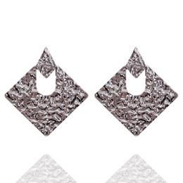 Orecchino online-3 colori oro pistola nero argento lega orecchini per donne quadrato geometrico ciondola goccia punk classico orecchino orecchio gioielli delle signore