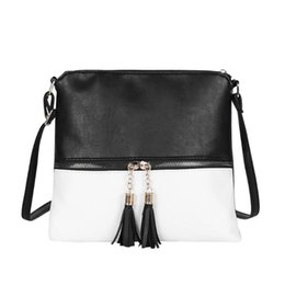 2019 bolsos de cuero simples Borla de la Mujer bolsas de mensajero del bolso de hombro simple bolsa de PU de las mujeres señoras de cuero Casual CROSSBODY totalizadores rebajas bolsos de cuero simples
