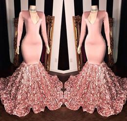 zwei tone ball kleider Rabatt Rosa V-Ausschnitt Spitze Meerjungfrau lange Ballkleider 2019 langen Ärmeln Satin 3D Floral Sweep Zug Formelle Party Abendkleider