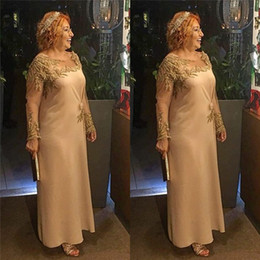 gonna verde peplum Sconti Elegante gioiello Abito per la madre della sposa Chiffon Lunghezza tè con maniche lunghe e applicazioni su misura