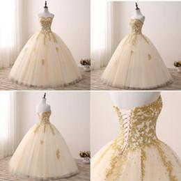 Vestido de novia de baile champán online-Imágenes reales Champagne vestido de bola de cristal Vestidos de quinceañera 2019 Barato Gold Lace Applique Cariño Tulle Largo Dulce 16 vestidos Vestido de fiesta