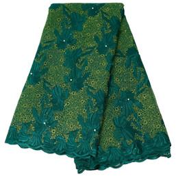 Canada 5 yards / lot broderie Nigeria dentelle tissu de haute qualité dentelle française pour la robe de mariée en gros 3D Fleur Afrique tissu de dentelle supplier wedding dress lace fabric wholesale Offre