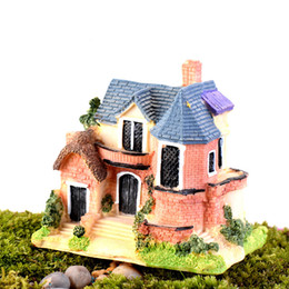 Figurine in miniatura online-Mini Castle Fairy Garden Miniature Castles Terrarium Figurine Decorazione del giardino Miniature House Villa Woodland Fairy Figurines