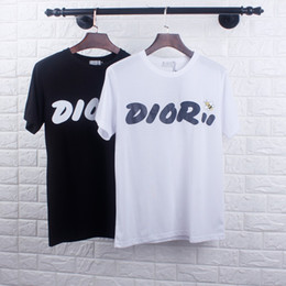 t-shirt modèle slim nouveau Promotion Le nouveau T-shirt AuthenticMen au design Slim personnalité Petite abeille imprimant quelques modèles Quelques marée marée marée masculine musto estivale