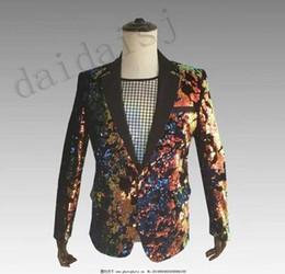 Revestimento do terno do sequin dos homens on-line-Novos homens de terno flip-flop pastel trajes de lantejoulas bar Bar discoteca DJ palco casaco cantor trajes cantor roupas