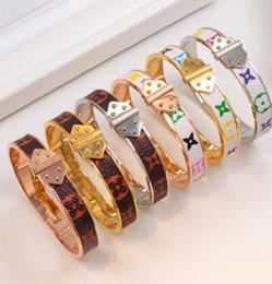 Deutschland vv Nagel Titan Stahl Armbänder mit Muschel Rose Gold Silber Armreifen Frauen Männer Armband mit Versorgung