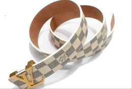 4c04b8ea9 2019 Louis Vuitton Cinturones para Hombre Serpiente Real de cuero genuino  Negocio Cinturones Mujeres Big Gold Buckle con caja original Negro B1113