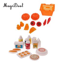 Comprar figuras de ação on-line-23 pcs Dollhouse Mini Cestas De Compras Frutas Legumes Talheres Modelo Set 1/6 Acessórios Figura de Ação Boneca