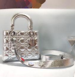novos produtos alimentares Desconto Nova marca bolsas de couro bolsas clássico cor sólida bolsas de alta qualidade saco crossbody bolsas carteira mochila AQ-1