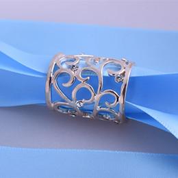 Jóias cachecóis tubos on-line-Coréia moda jóias cachecol broches oco padrão cachecóis tubo de liga simples tubo fivela cachecol xale acessórios de dedução 10 pçs / lote